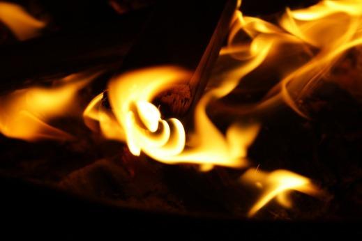 fire-836635_1920